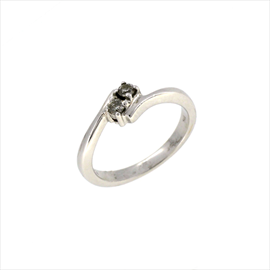 18ct White Gold Second-hand 2 Stone Diamond Ring. Weight 4.1g
