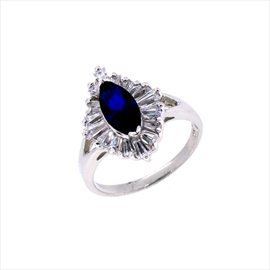 Silver Dark Blue and White Cubic Zirconia Ring. Weight 4.7g